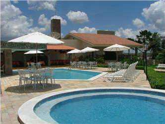 Para o descanso e lazer de sua familia hotel também oferece as belas piscinas