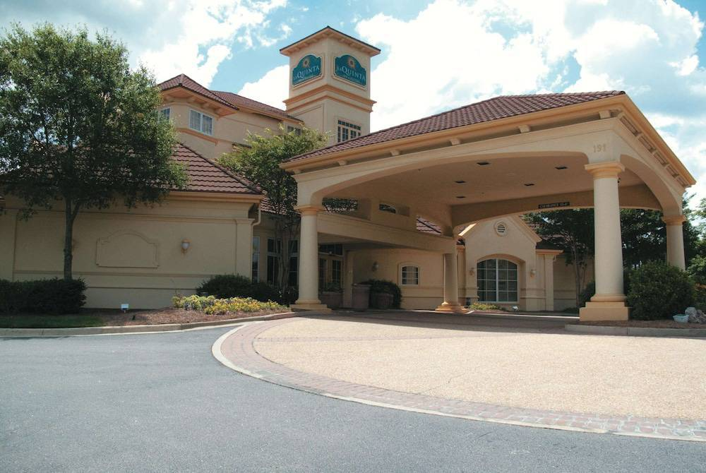La Quinta Inn & Suites Raleigh Cary