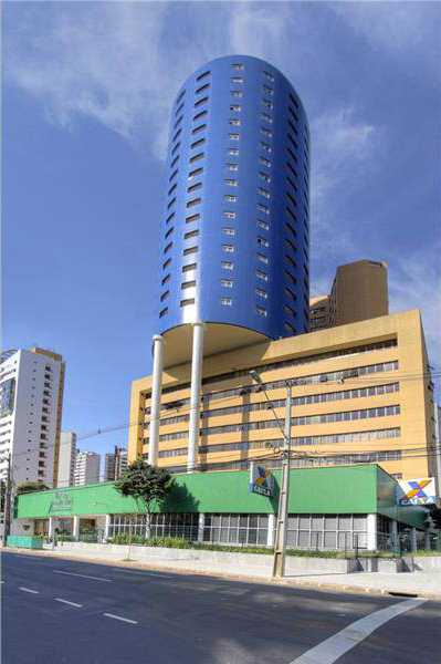 Located in an iconic building in Curitiba, in the hippest region of the city, the Batel neighborhood.