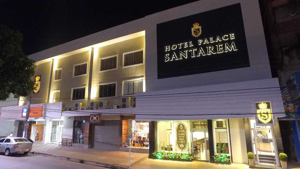 Localizado em Santarém, a 300 metros da Catedral Diocesana Nossa Senhora da Conceição, o Hotel Palace Santarém oferece quartos com ar-condicionado, WiFi gratuito e Café da Manhã