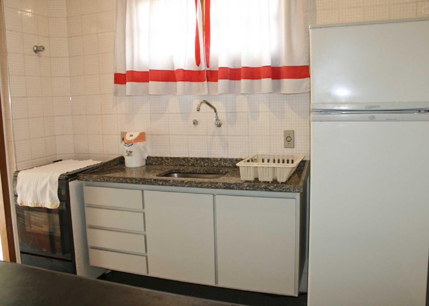 Cocina de apartamento simple