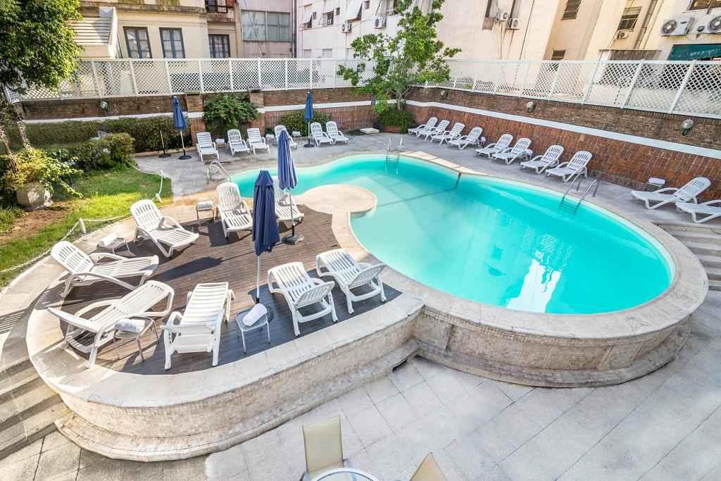 Claridge Hotel
