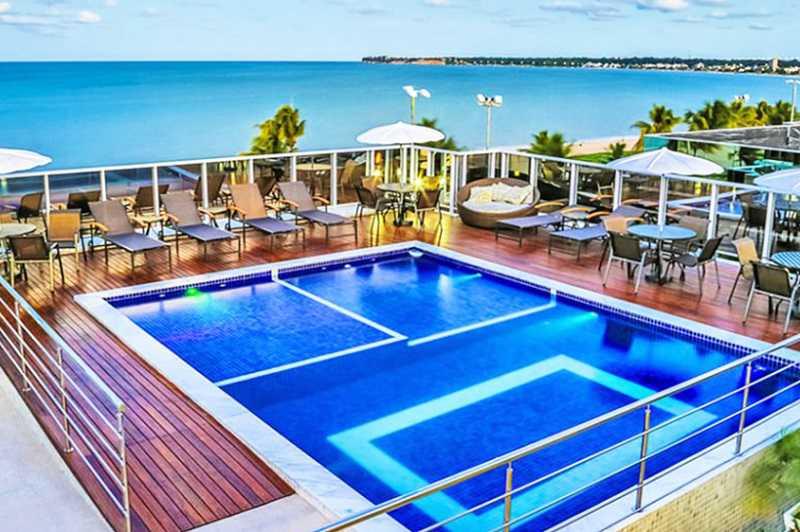 Laguna Praia Hotel ofrece una piscina con impresionantes vistas al mar y una excelente ubicación, frente a la playa de Tambaú.