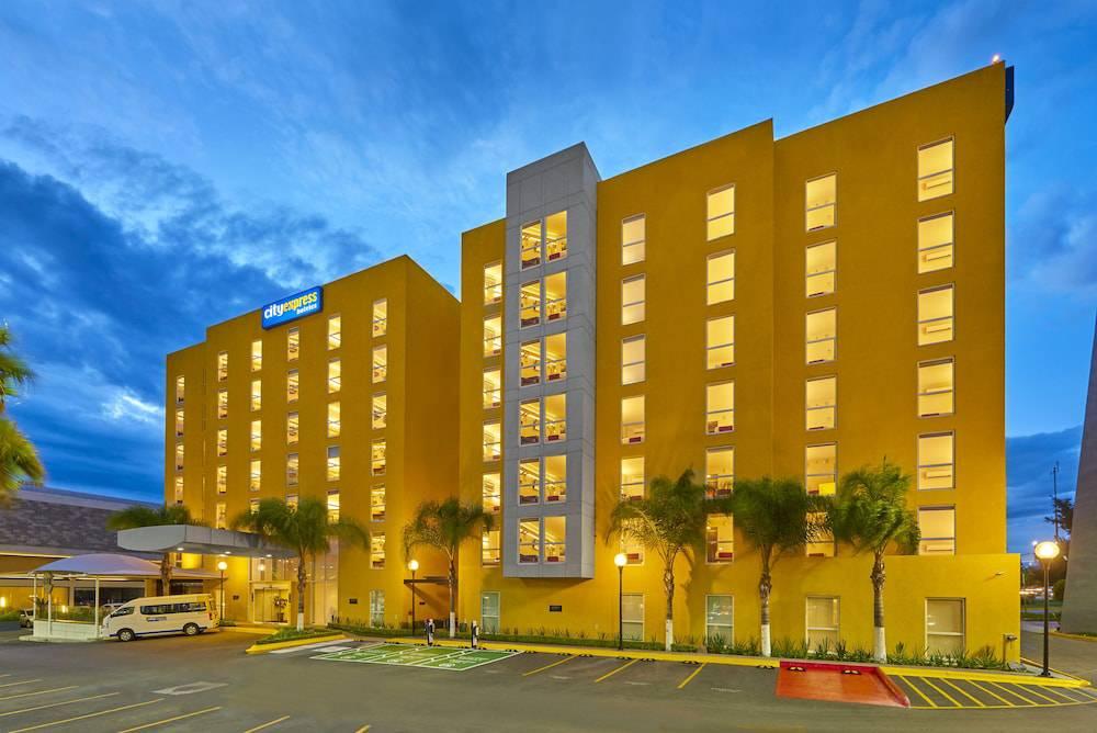 Hotel City Express Querétaro Juríca Oficial