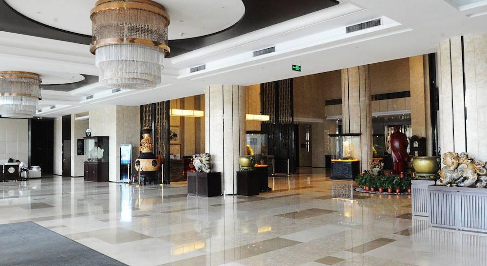 Hotel Pullman Qingdao Ziyue